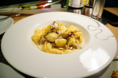 I could have more of this - mushroom cream pasta