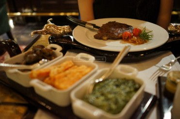 Rib-eye Steak 10 oz ( AED 130 )